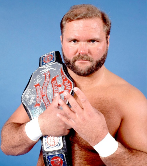 Arn with TV belt