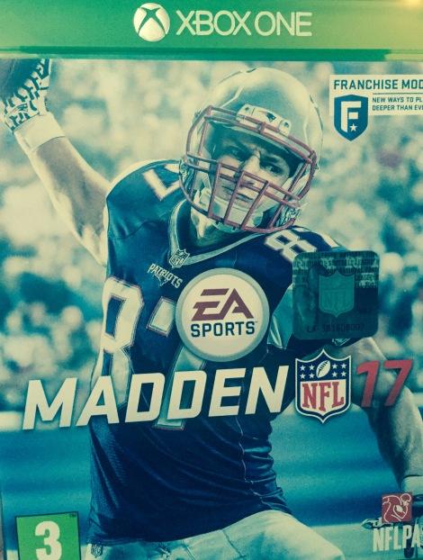 Madden NFL 17 XBOX One Box
